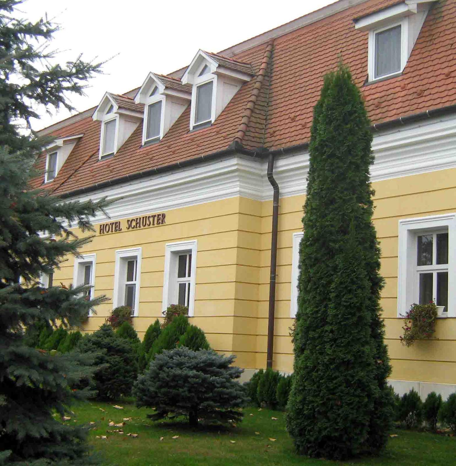 Csenger - Hotel Schuster
