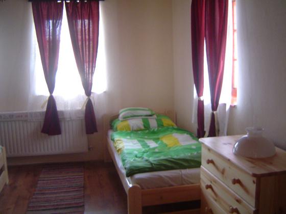 gerendás: 4. kép első szoba