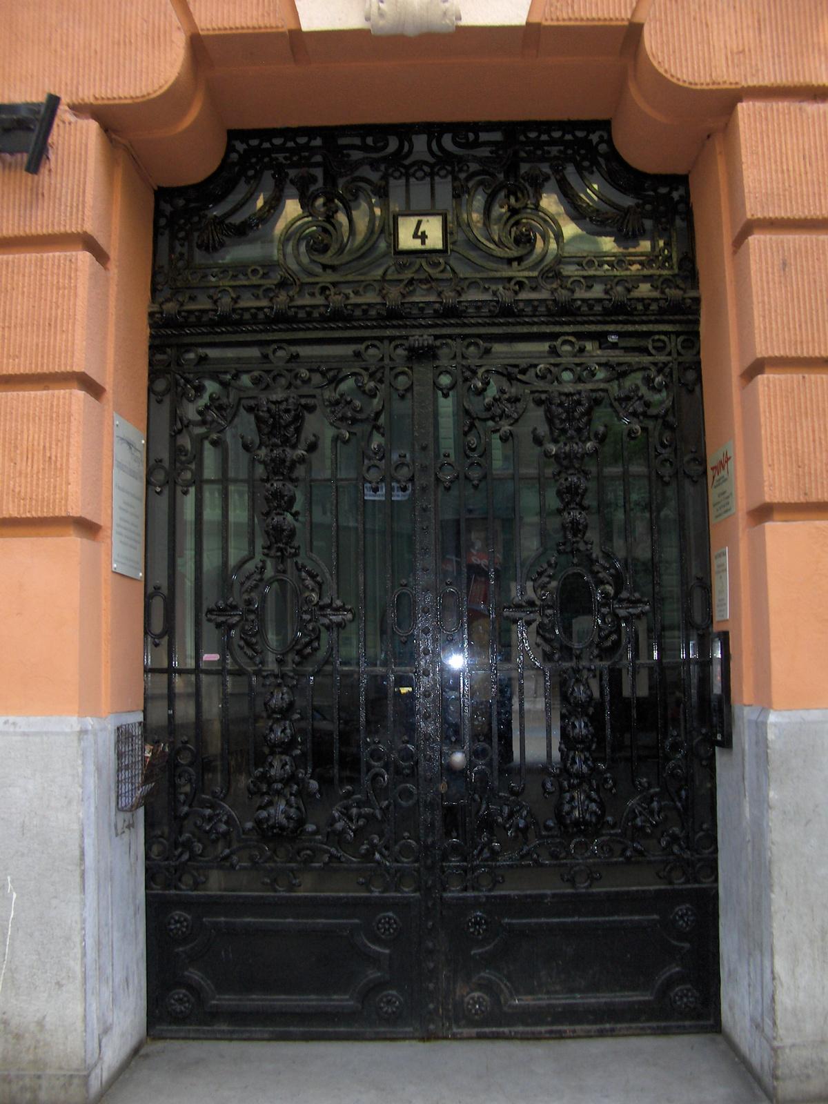 Semmelweis utca 4 003