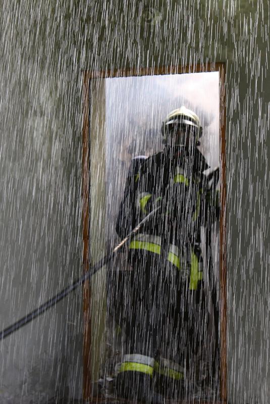 Csabicsekk: 2010 05 04 Munkában a tűzoltók 003