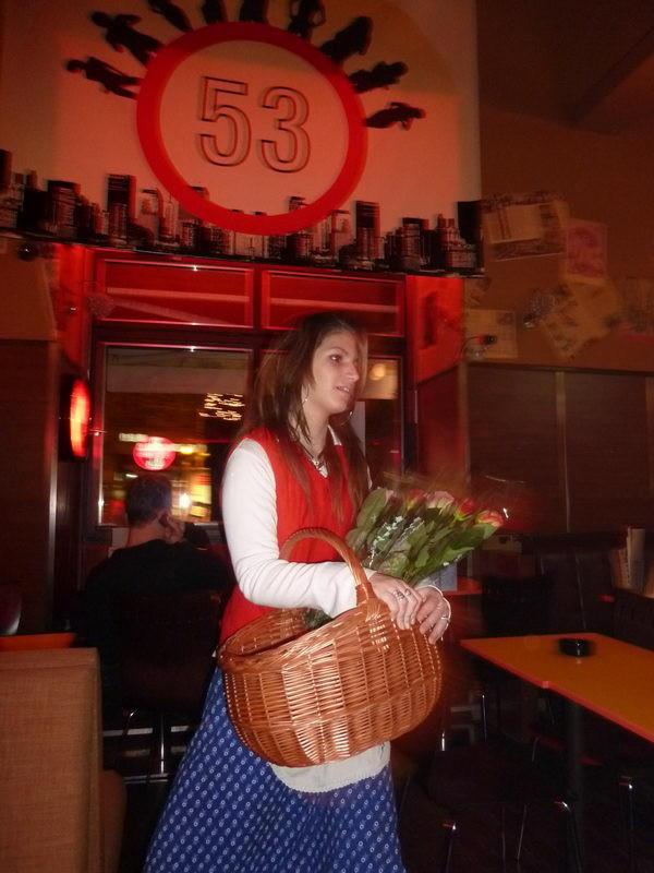 A rózsahordó lány
