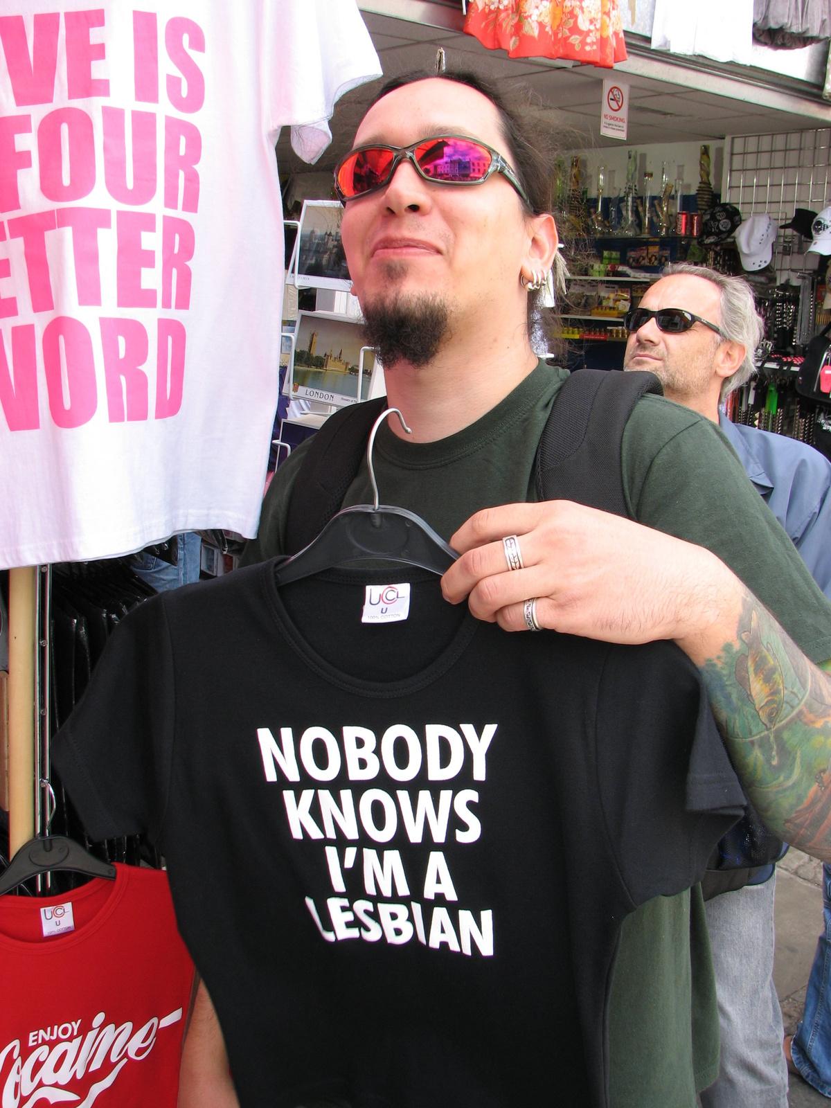 ICS - Senki sem tudja hogy leszbikus