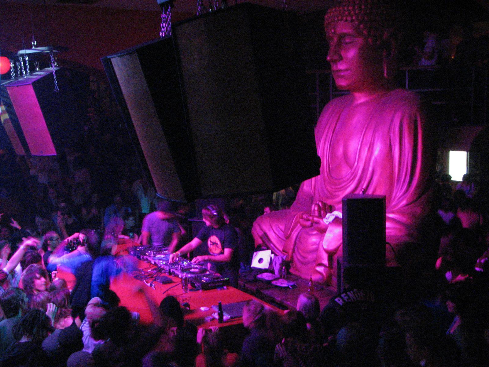 Buddha vigyáz ránk