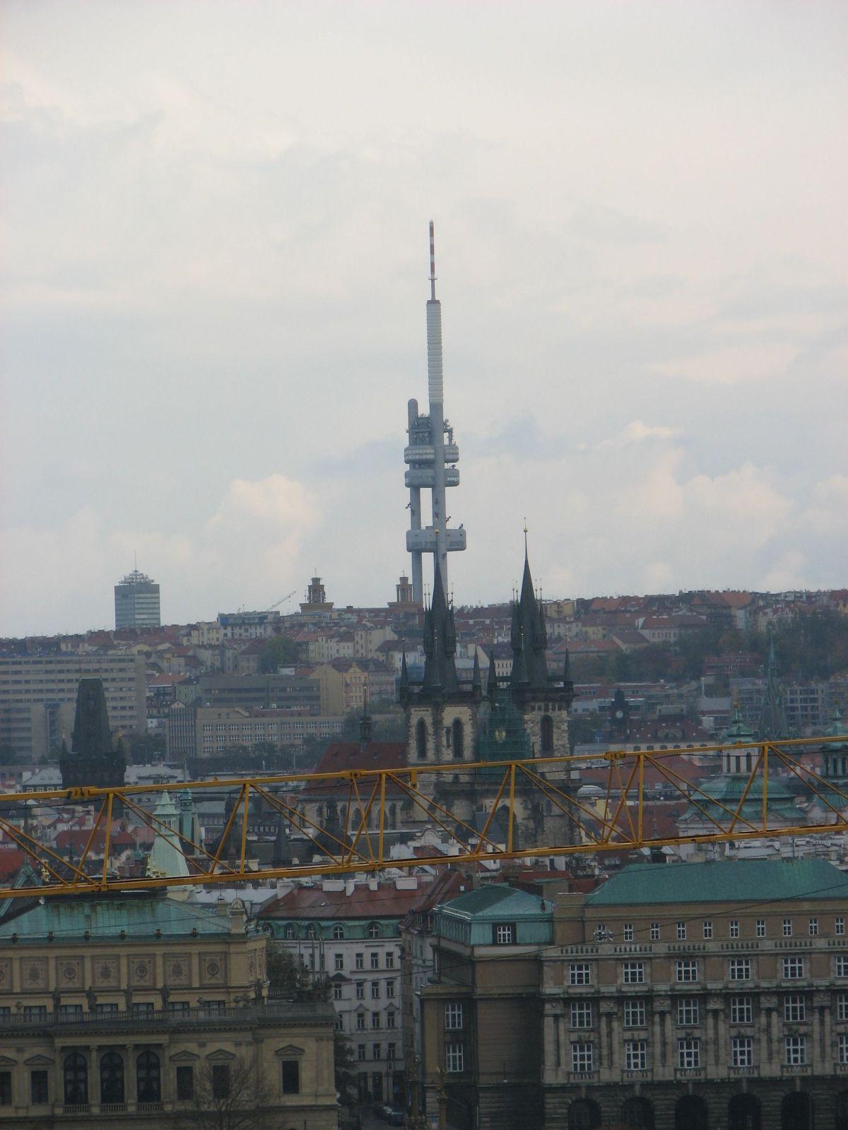 Prágai olajfúró és TV torony