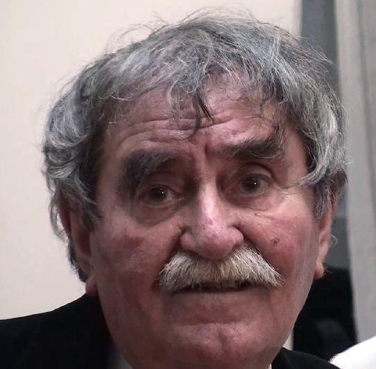 László- (3)